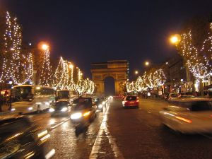 Chemps Elysee, Paris, in December. *Source: self-made *Photographer: Andreas Saebjoernsen {{GFDL}}