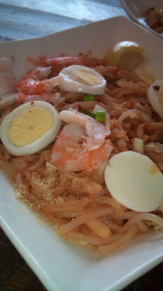 Pancit Malabon (Malabon noodles)