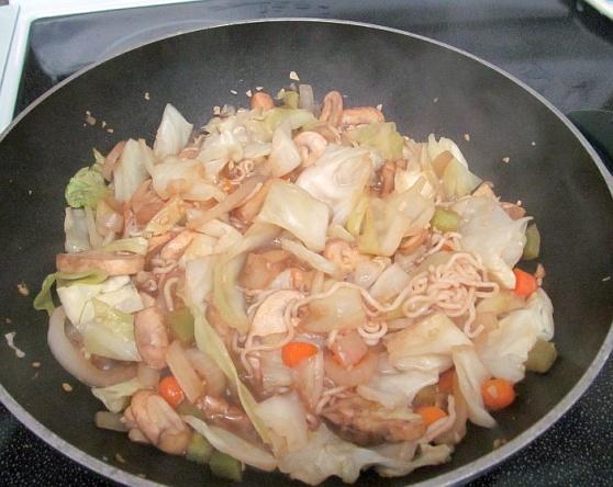 Tofu Shirataki spaghetti in stir fry