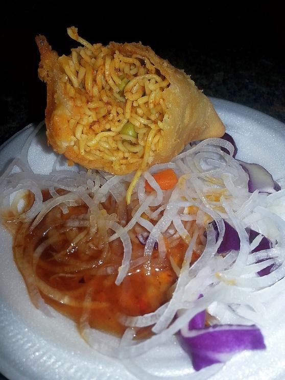 Veggie noodle samosa with tamarind chutney