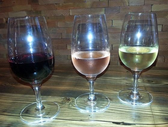Tricolore flight of wines
