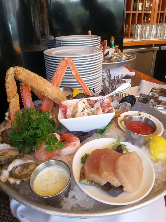Joe Fortes: Crab legs prawns mussels oysters lobster and tuna for the taking